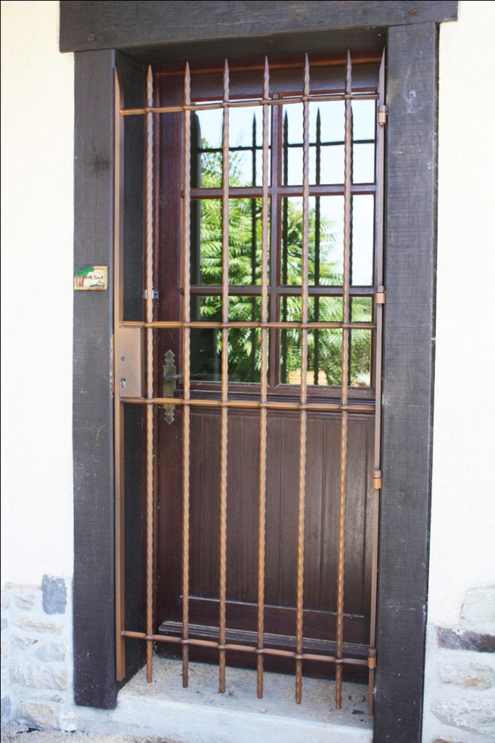 Suire metallerie marpire porte metallique securite ffb vitr - Porte metallique castorama ...