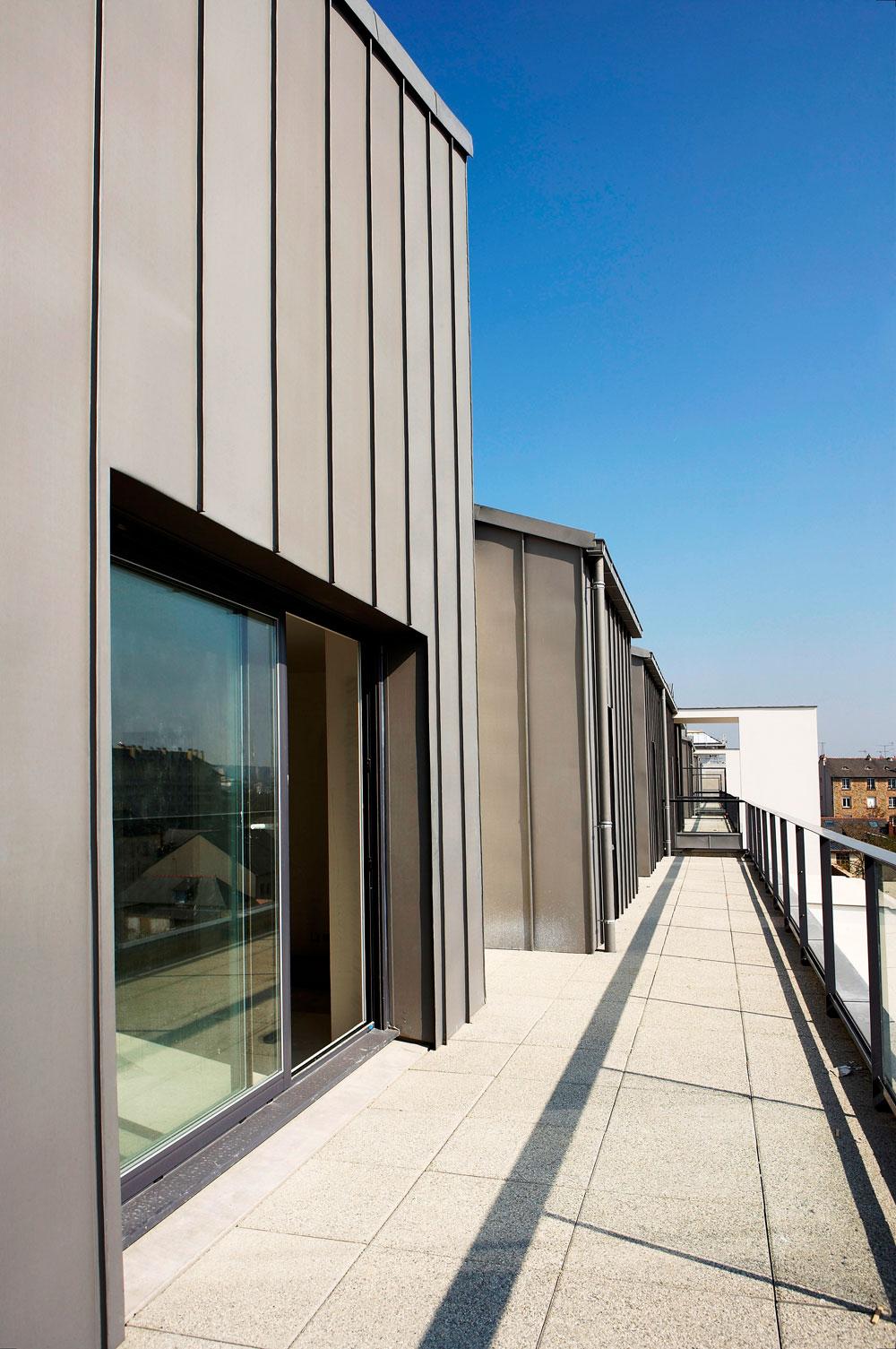 Bardage zinc sur ossature bois bardage en zinc profil emboitement extension ou rehausse - Garage charpentier nantes ...
