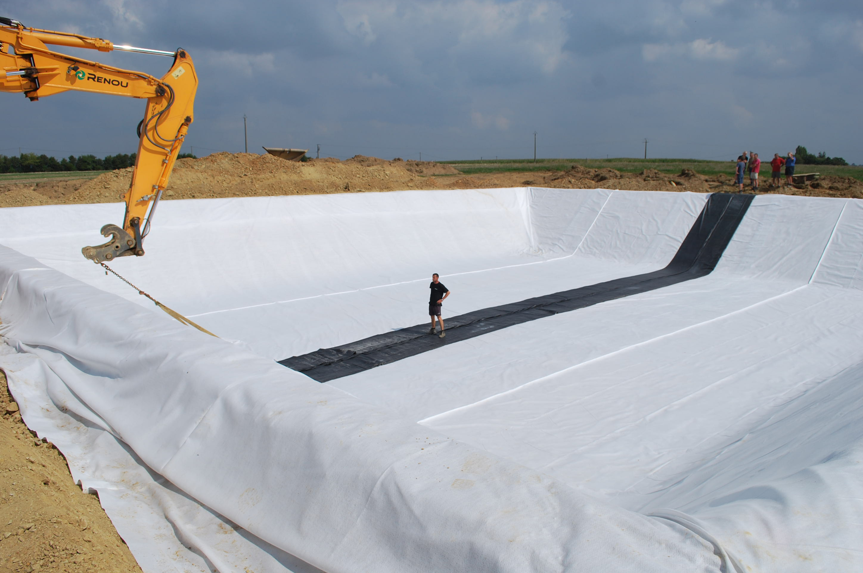 Renou etancheite bassin geomembrane bais ffb vitr for Membrane bassin